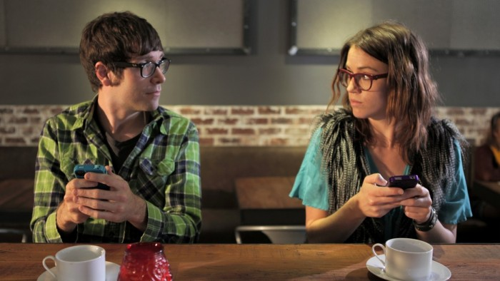 hipster-texting-1170x658